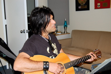 Steve Conte Plays The JGMP Taylor.